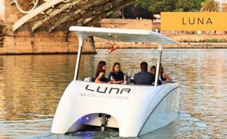 Solliner Luna - catamarán solar alquiler en Vigo
